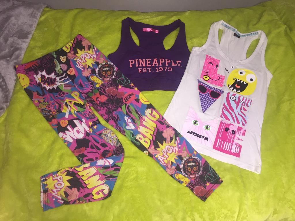 Girls clothing (shirt /leggings) bundle (smallin South East London, LondonGumtree - pretty colourful clothing suitable for girls from 8 12 years old.Collection only please South East London