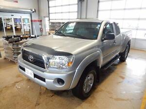 2011 Toyota Tacoma SR5 Like new