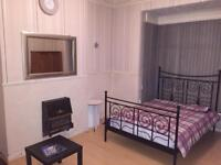 FULLY FURNISHED LARGE ROOMS IN SHARED HOUSE