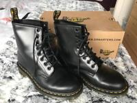 Dr. Martens Boot (size 5)
