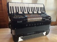 GALANTI 'GOLDEN AGE' SUPER CLASSIC DOUBLE CASSOTTO MINT CONDTION ACCORDION