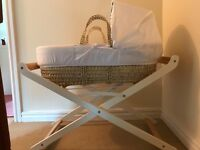 Moses basket with Stand in very good condition. Used only a handful of times.