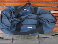 Berghaus Mule 100 litre Holdall . Never been used.