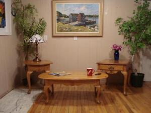 "Quality ""Roxton"" Coffee Table Set"