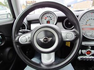 2010 MINI Cooper | LEATHER | ROOF London Ontario image 9