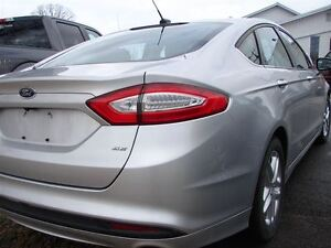 2015 Ford Fusion SE SAVE BIG ON THIS ONE ,LOTS OF WARRANTY STILL Peterborough Peterborough Area image 4
