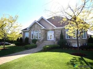 810 000$ - Maison à un étage et demi à vendre à Blainville