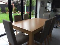 Reduced Solid wood Extendable dining table & chairs