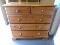 Pine chest of drawers, 2 over 4