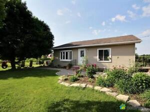 $434,900 - Bungalow for sale in Caledonia