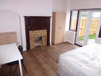 2 nice double rooms (single use only) with double bed available in North Acton W30PY for £155pw