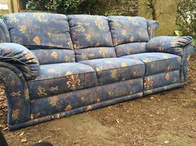 Traditional style sofa 3 seater + armchair