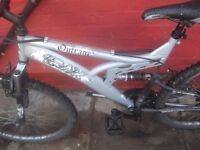 2x fullsuspension mountain bikes and loads of spare parts