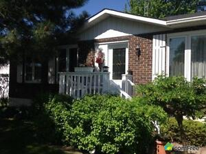 $222,000 - Bungalow for sale in Bainsville