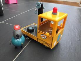 Peppa Pig Grandad Dogs Tow Truck