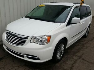 2016 Chrysler Town & Country Touring DVD/BACKUP CAM/HEATED SEATS