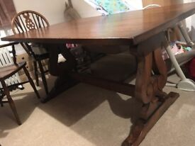 Oak refectory table and 4x carvers