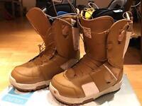 Burton women snowboarding boots size 5