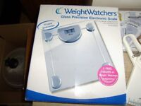 Weight Watchers glass precision electronic scale and body fat measuring devices