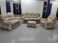 Mint condition 3 years old floral suit 3 seater + 2 seater + chair + footstool / free delivery