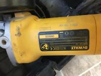 DEWALT 900W 230V ANGLE GRINDER D28113-GB