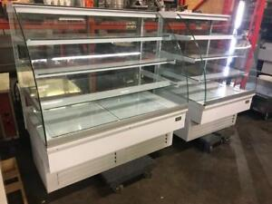 36 & 52 matching igloo cake pastry curve glass fridge coolers ( excellent condition) save$$$$ shipping avaiable Canada