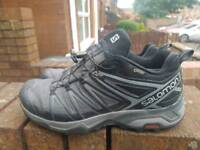 Salomon gtx shoes size 8