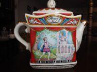 Romeo & Juliet Teapot