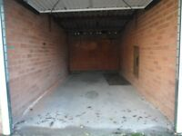 LOCK UP GARAGE TO LET IN BURTON ON TRENT