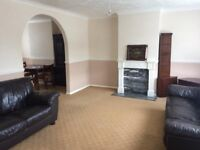 3 bedroom house to rent on Whitelands Road