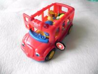 2 x FISHER PRICE (Little People) & 2 x HAPPYLAND (ELC). Sell individually or BUNDLE £10