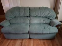 Recliner sofa with 2 recliner armchairs