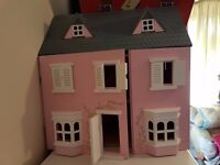 Large Girls Pink Dolls House NEW CONDITION
