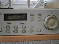 AKAI S2000 sampler