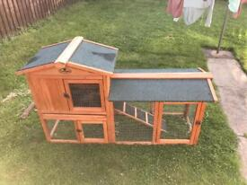 Rabbit hutch outdoor perfect condition