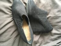 ladies new look size 5 wedge shoes