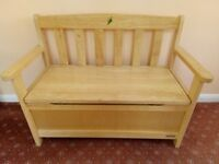 Child's toy box/bench