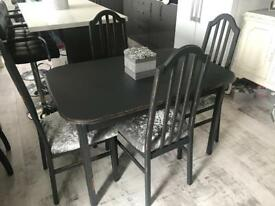 Grey extendable shabby chic dining table & 4 crushed velvet chairs
