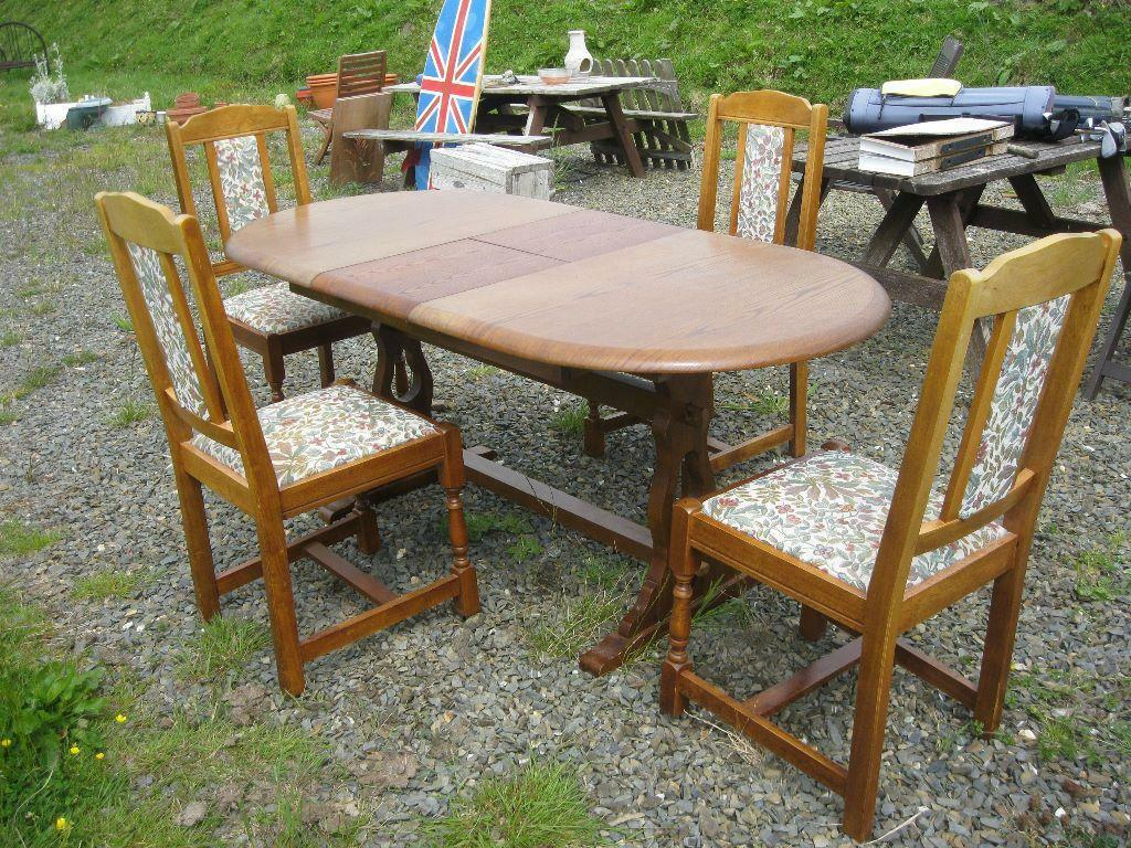 OVAL OAK EXTENDING TABLE 4 HIGH BACK UPHOLSTERED CHAIRS DELIVERY AVAILA