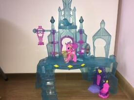 My Little Pony Princess Cadence Castle