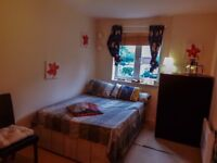 AVAILABLE DOUBLE ROOM FOR A COUPLE £170PW N12 0AN