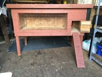 Large Rabbit or Guinea Pig Hutch ( can deliver)Exc Condition