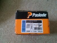 paslode brads 32mm + 2 fuel cells new in box
