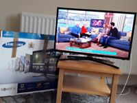 Samsung 32inch, Full HD Smart TV, UE32F5500. As new, used less than 50hours, boxed