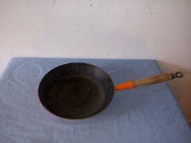 Le Creuset Cast Iron Round Orange 28 cm Frying Pan With Wooden Handle