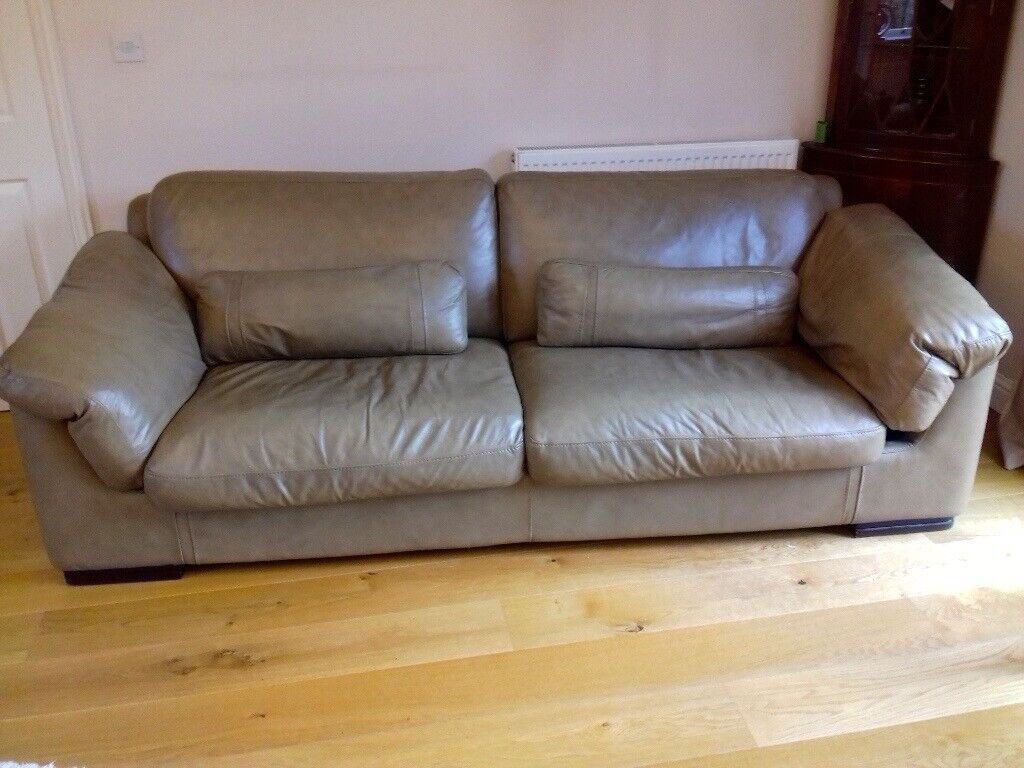 Heavy duty 3 seater settee and armchair in good condition ...