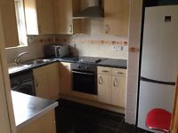 TWIN ROOM IS AVAILABLE FOR RENT ... HACKNEY CENTRAL...ALL BILLS INCLUDED!!!