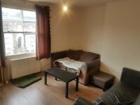 SHEPHERD'S BUSH TWIN ROOM SHARE AVAIL NOW