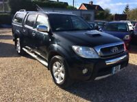 Toyota Hilux Invincible. 3.0 D-4D Automatic. 2011 in stunning black.
