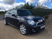 STUNNING AND GREAT SPEC 2007 MINI COOPER S. XENONS, CLIMATE CONTROL, FULL LEATHER, FULL HISTORY